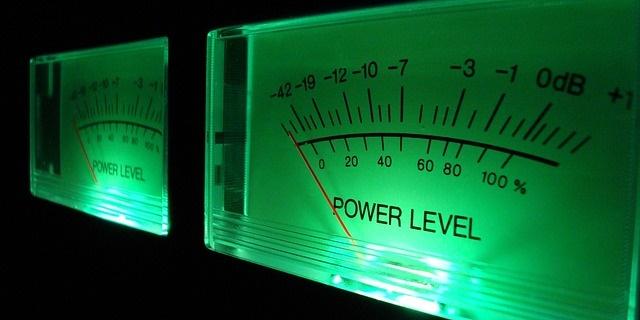 店内BGMの音量はどれくらいが適切?簡単な測定方法と目安のご案内